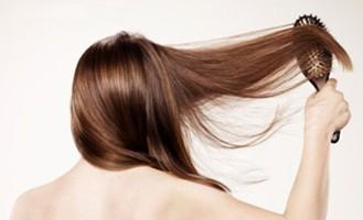 hiustenpidennysten värjäys